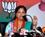 Show of strength: Raje warns Gehlot, silences anti-faction