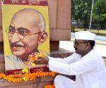 Shyamlal Lal Gandhi pays tribute to Mahatama
