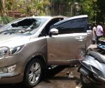 T T V Dhinakaran's car attacked
