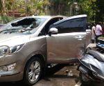 T T V Dhinakaran's car attacked