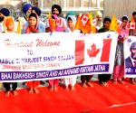 Canadian Defence Minister welcomed at Golden Temple