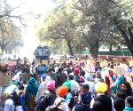 1984 riots: Sikhs protest outside Sonia Gandhi