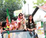 Mahima Chaudhry, Locket Chatterjee campaign for BJP