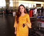 "Aakanksha Sharma bags ""Upcoming female vocalist of 2020"" at Mirchi Music Awards"