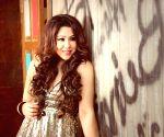 I love remakes: Singer Arpita Chakraborty