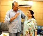 Asha Bhosle directs one scene of Gowariker's film