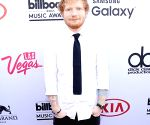 Ed Sheeran quits smoking weed