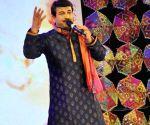 """Manoj Tiwari performs during """"Rang Barse"""