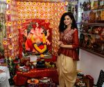 Palak Muchhal seek blessings of Lord Ganesha