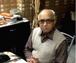 Six-time Congress MP Bhatia dies at 100