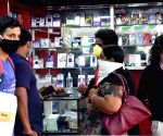 Sale of pre-owned phones on rise in India amid pandemic: Report