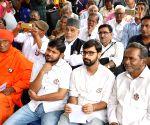 One year of Gauri Lankesh's murder - Swami Agnivesh, Kavita Lankesh, Prakash Raj, Kanhaiya Kumar during a rally