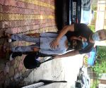 : Mumbai: Sohail Khan and His Son Spotted Outside I Think Fitness Gym at Bandra
