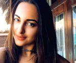 Sonakshi tweaks the meaning of 'WFH'