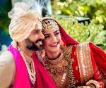 Sonam Kapoor-Anand Ahuja celebrate wedding anniversary, Rhea wishes on social media