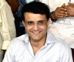 D/N Test: Ganguly inspects Eden wicket, Shastri follows suit
