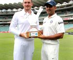 Graeme Smith and MS Dhoni ahead of the 1st Test match between India and South Africa