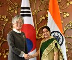 South Korean Foreign Minister meets Sushma Swaraj