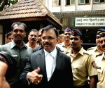 1993 Mumbai blasts - Sessions Court announces verdict