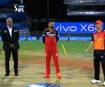 SRH win toss, opt to bowl against RCB