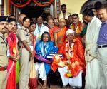 Kollur (Karnataka): Sri Lanka PM visits Kolluru Sri Mookambika Temple
