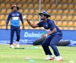 Dambulla (Sri Lanka): Sri Lanka - practice session - Thisara Perera