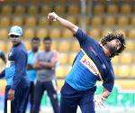 Dambulla (Sri Lanka): Sri Lanka - practice session - Lasith Malinga