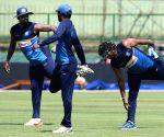 Pallekele (Sri Lanka): Sri Lanka - practice session - Upul Tharanga, Thisara Perera, Lasith Malinga