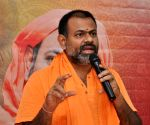 Swami Paripoornananda joins BJP
