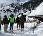 One rescued in J&K avalanche