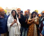 Siddharth Malhotra, Rakul Preet Singh, Manoj Bajpayee visits Golden Temple