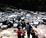 SDRF rescue pilgrims at Kedarnath