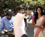 'Tamilukku En Ondrai Aluthavum'  - stills