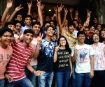 Maharashtra Board declares class 10 results, students celebrate