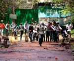 Students pelt stones on security personnel