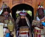 EL SALVADOR-SUCHITOTO-SOCIETY-THREE WISE MEN