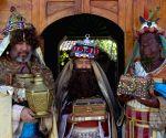 EL SALVADOR-SUCHITOTO-SOCIETY-THREE WISE MEN