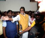 Amitabh Bachchan flags off Tiger Conservation Bike Rally