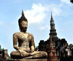 Modi, Mongolian Prez unveil Buddha statue in Ulaanbaatar