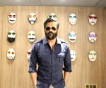 Suniel Shetty helps Akshay Kharodia bag first film