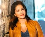 Sunny Leone, PETA India to donate 10,000 meals to Delhi migrant workers