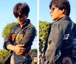 SRK's witty jibe at K.jo's heels