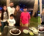 T20 World Cup: Sania Mirza comes to Mohammad Hafeez's rescue, arranges birthday cake for his wife