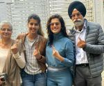 Free Photo: Taapsee gives befitting reply to man who questioned her voting right