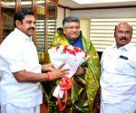 Tamil Nadu CM calls on Ravi Shankar Prasad