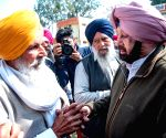 Amarinder visits border areas; welcomes Imran's announcement on pilot's release