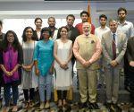 Tel Aviv (Israel): Modi meets Indian students in Israel