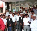Telangana advocates demonstrate