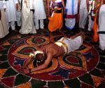 ESL Narasimhan visits Bhadrachalam Temple