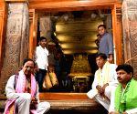 K. Chandrasekhar Rao visits Sri Ranganatha Swamy Temple in Tamil Nadu
